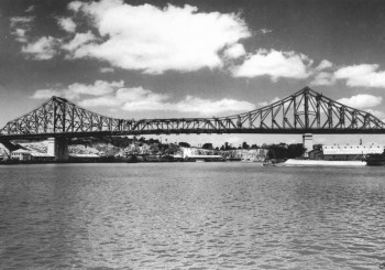 StateLibQld_1_65515_Brisbane's_Story_Bridge,_1940